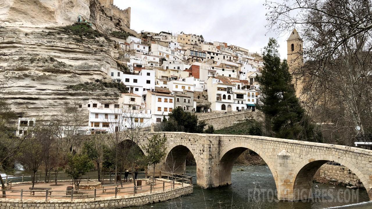 Snap visita alcal del j car tclm photos on pinterest - Casa rural el castillo alcala del jucar ...